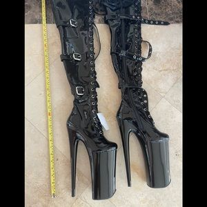 New 10 inch Extreme Pleaser Thigh High Boots